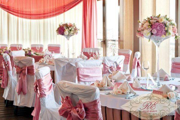 Оформление банкетного зала свадьбы на лазурном берегу